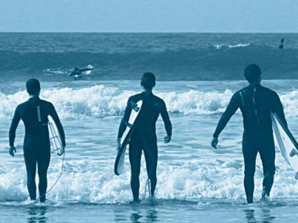TU PRIMERA SESIÓN DE SURF!!!